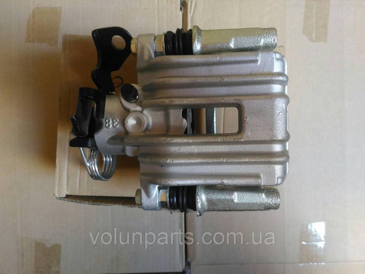 Тормозной суппорт Audi a4b5/Audi a6c5/Skoda superb правый