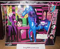 Кукла Monster High Headless Headmistress Bloodgood Doll and Nightmare Horse Директриса Бладгуд и конь Кошмар
