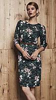 Женское демисезонное платье зеленого цвета с принтом. Модель 260084 Enny