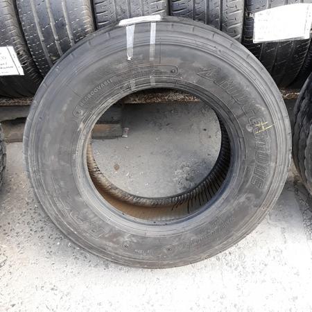 Шины б.у. 235.75.r17.5 Bridgestone R227 Бриджстоун. Резина бу для грузовиков и автобусов
