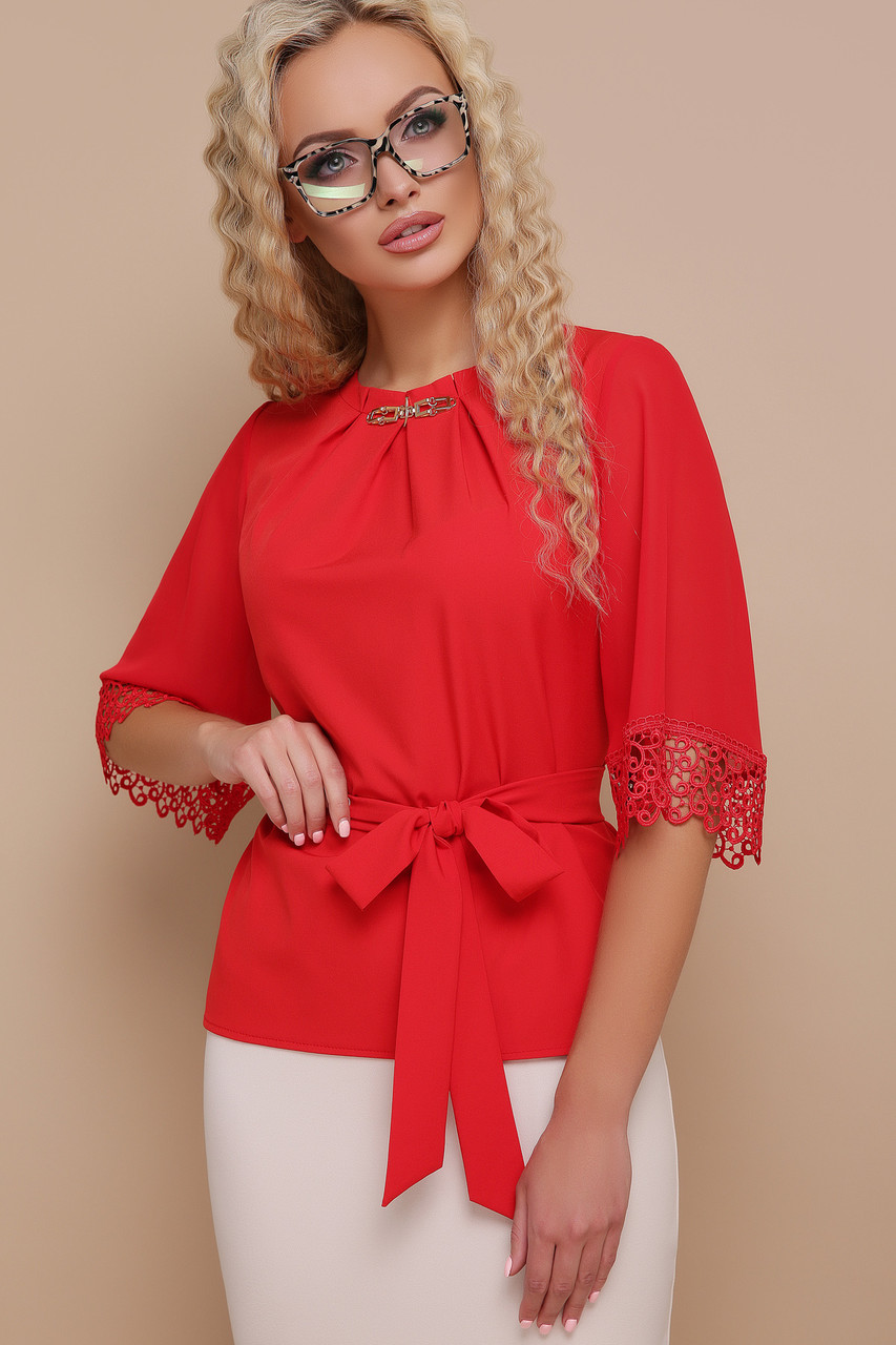 Блуза шифоновая с пояском и кружевом