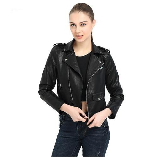Женская куртка косуха из экокожи черная