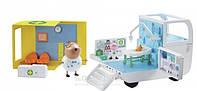 Игровой набор Peppa Медицинский центр на колесах аксессуары, 2 фигурки