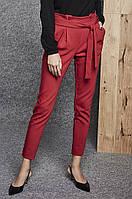 Женские брюки красного цвета. Модель 260024