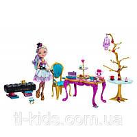 Мэделин Хэттер и набор для шляпной вечеринки – Madeline Hatter and Party Display BJH36