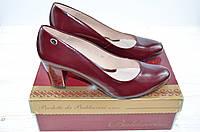 Женские туфли каблук  кожа бордовые