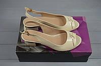 Босоножки женские Foletti 401 бежевые кожа-лак каблук, фото 1