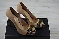 Женские туфли каблук шпилька кожа бежевые