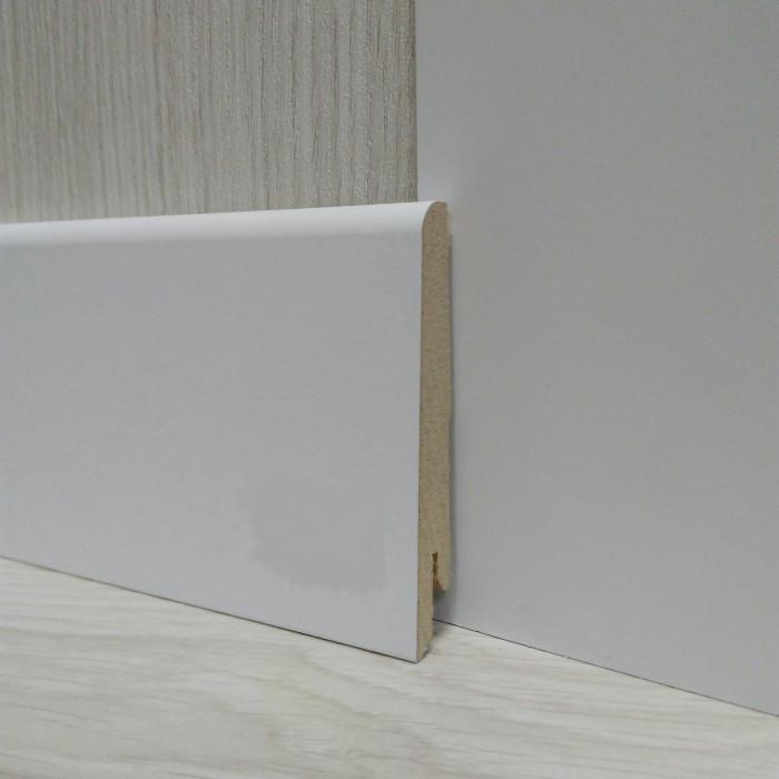 Плинтус белый напольный МДФ скошенный 15х80х2400мм., ламинированный