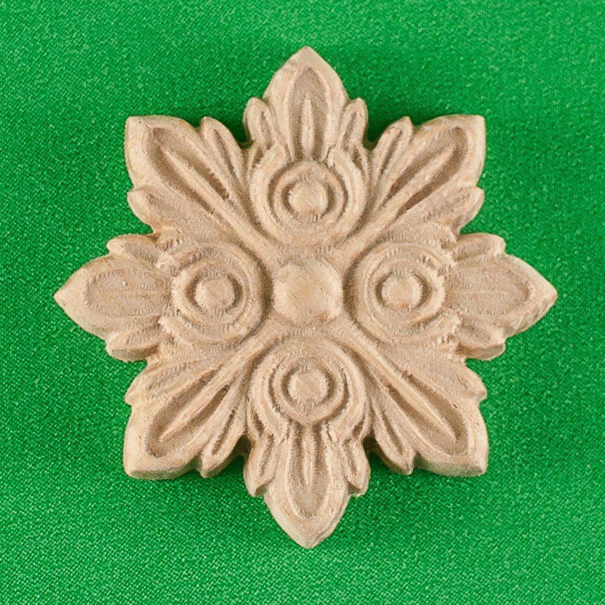Деревянный декор. Мебельная розетка. Код Р6