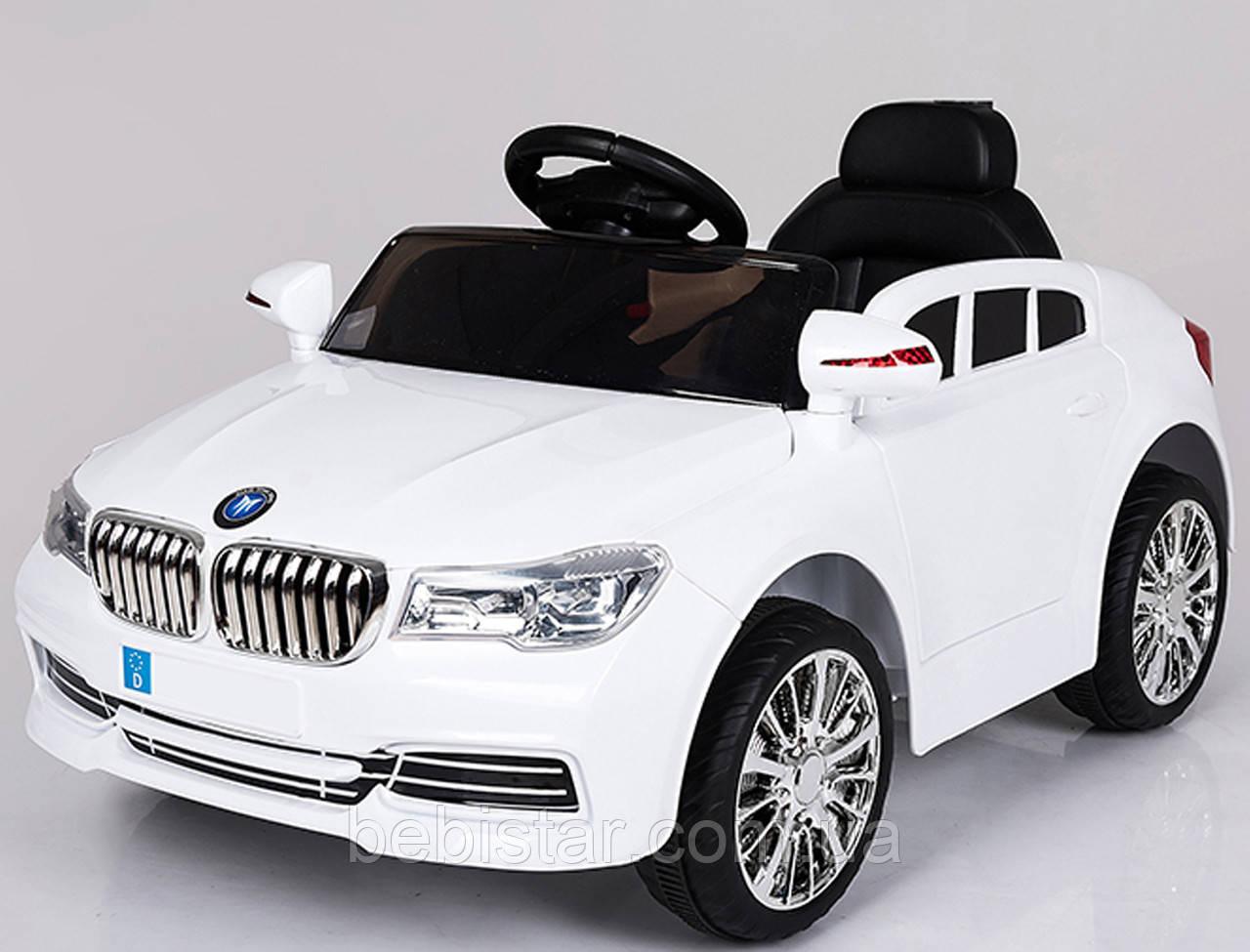 Электромобиль-спорткар белый XM-826 WHITE для деток 3-8 лет с пультом, аккумулятор 2*6V4.5AH, мотор 2*25W