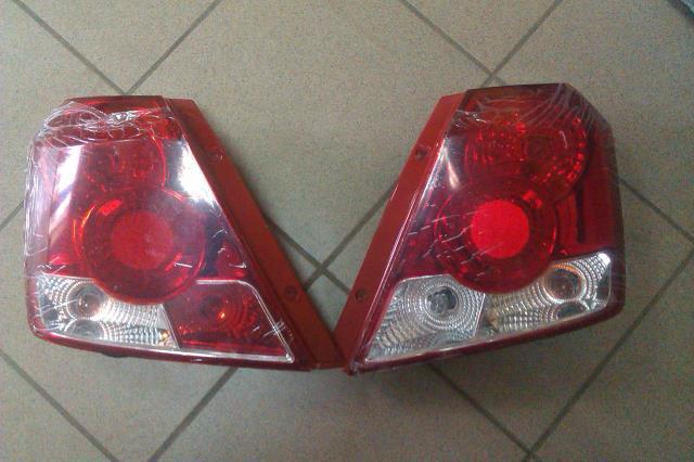 Фара правый Авео T200 04-06 DEPO, 235-1102R-LD-EM