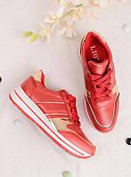 Красные кроссовки женские с золотыми вставками 25837