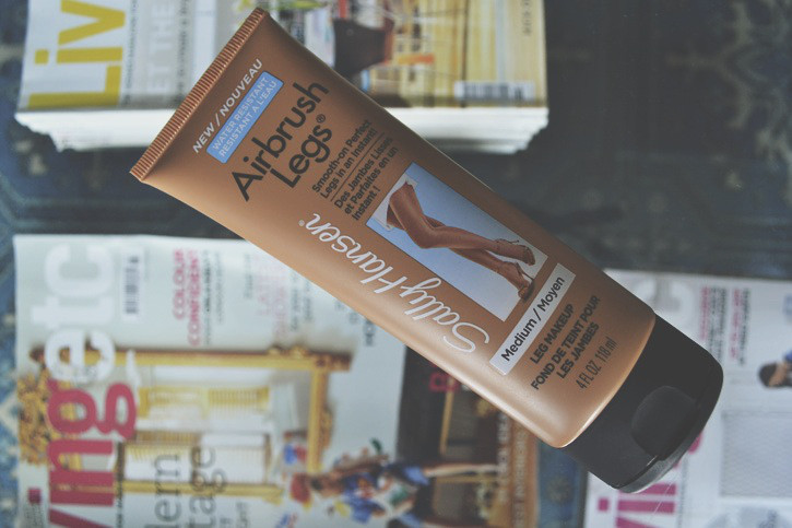 Жидкие колготы среднего оттека лосьон Sally Hansen Airbrush Legs Lotion