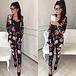 Женский брючный костюм с цветами: пиджак и зауженные брюки, фото 2