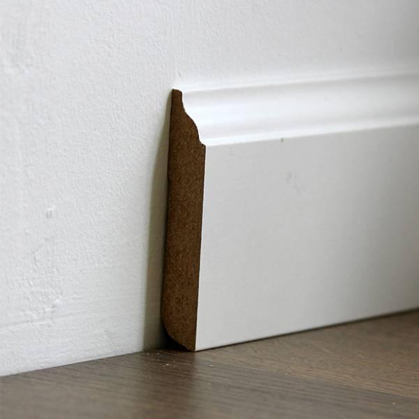 Плинтус белый напольный МДФ декоративный 14,2х80х2400мм., ламинированный