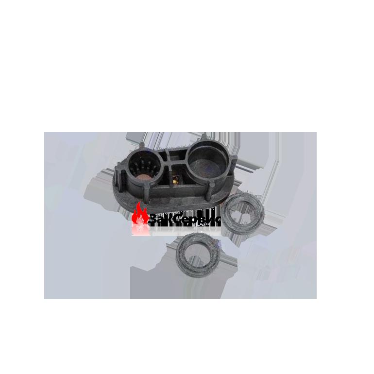 Крышка с присоединительными патрубками (интерфейс) 65105092