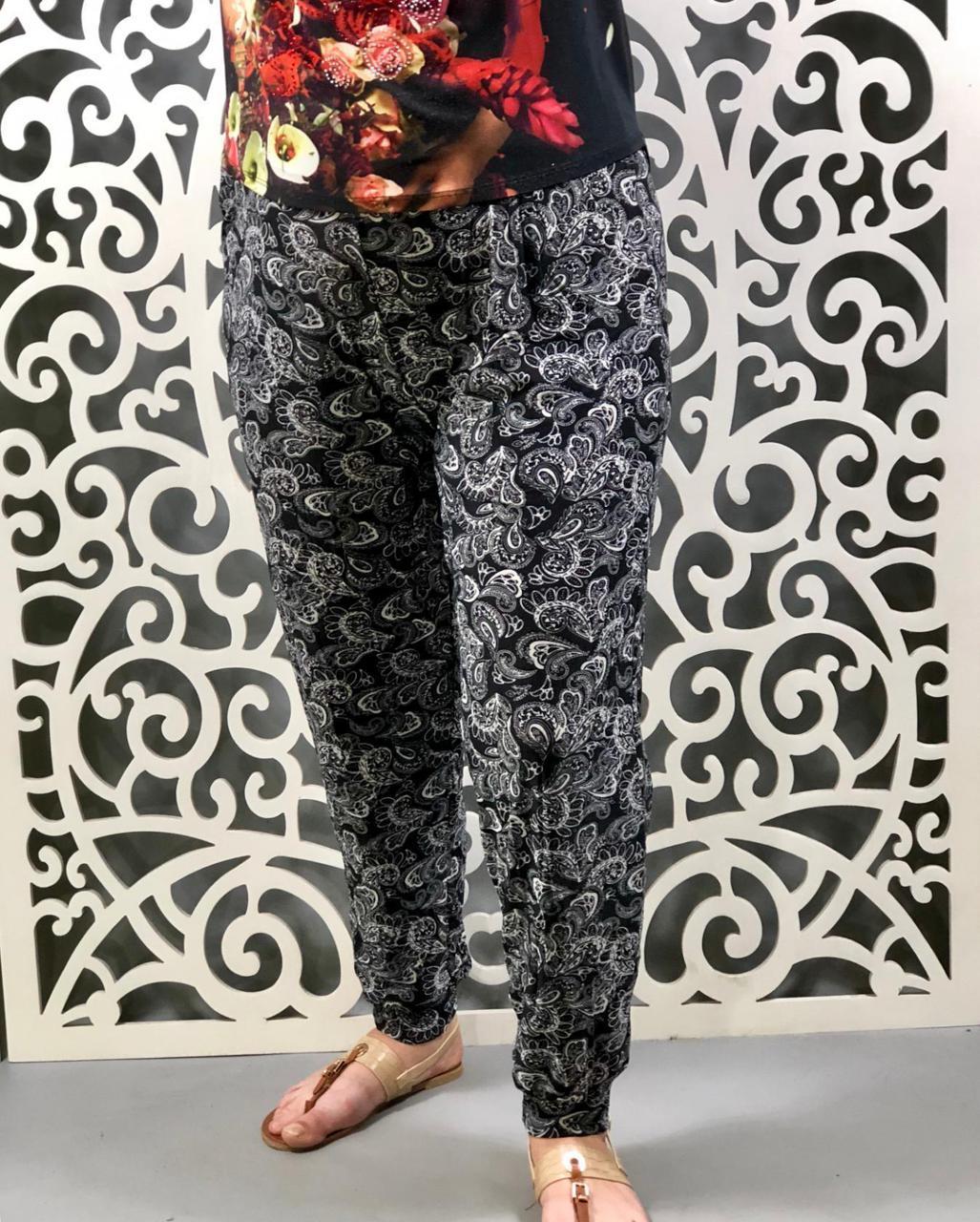 """Модные летние женские брючки с резиночкой на талии ткань """"Штапель"""" 54 размер батал"""