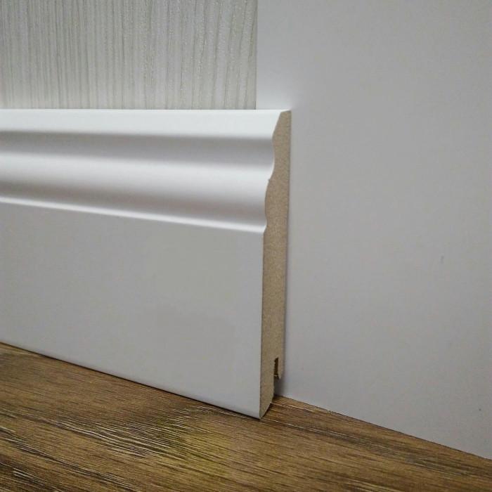 Плинтус белый напольный МДФ высокий фигурный 18х100х2400мм, ламинированный