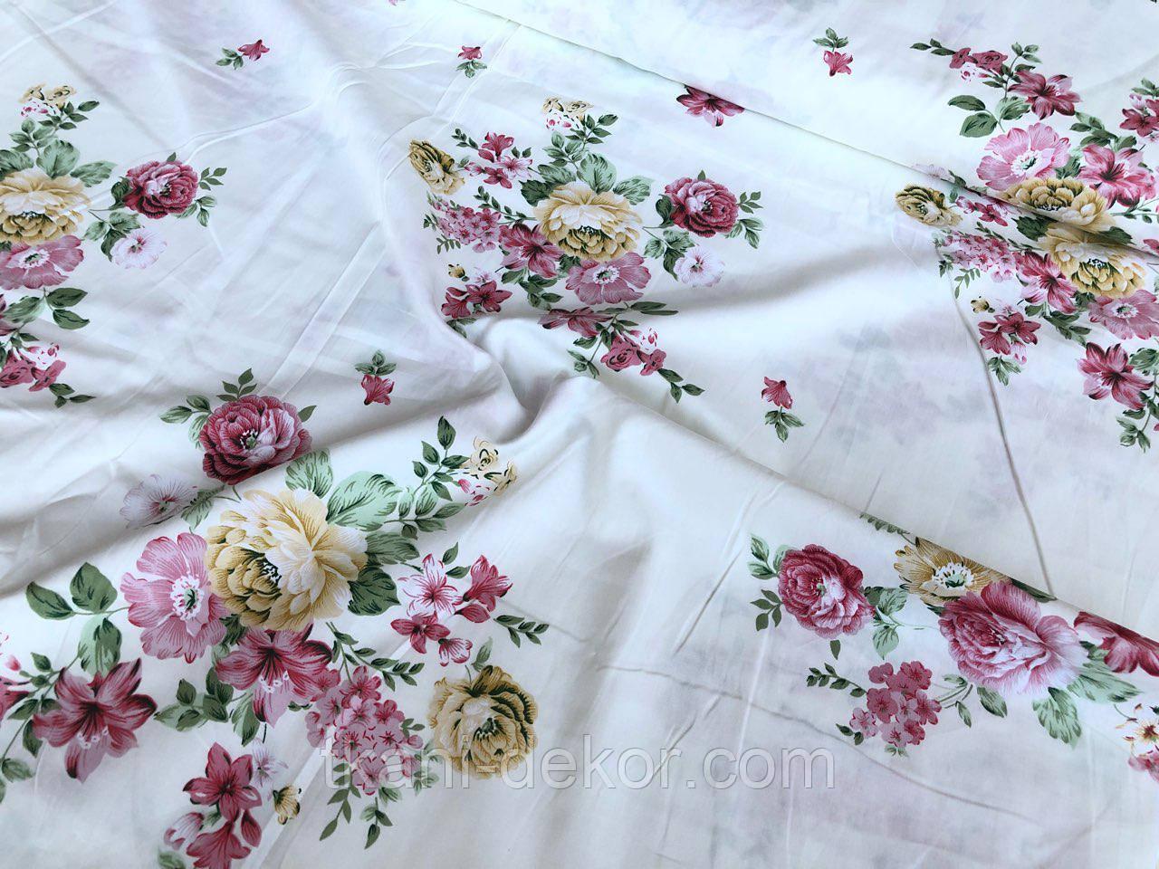 Сатин (хлопковая ткань) крупные розы и лилии
