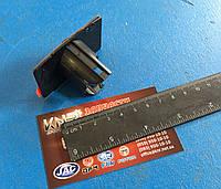 Кронштейн крепления датчика парктроника левый S5