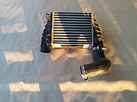 Радиатор охлаждения турбины на AUDI A4 2007г. тел.0995454777