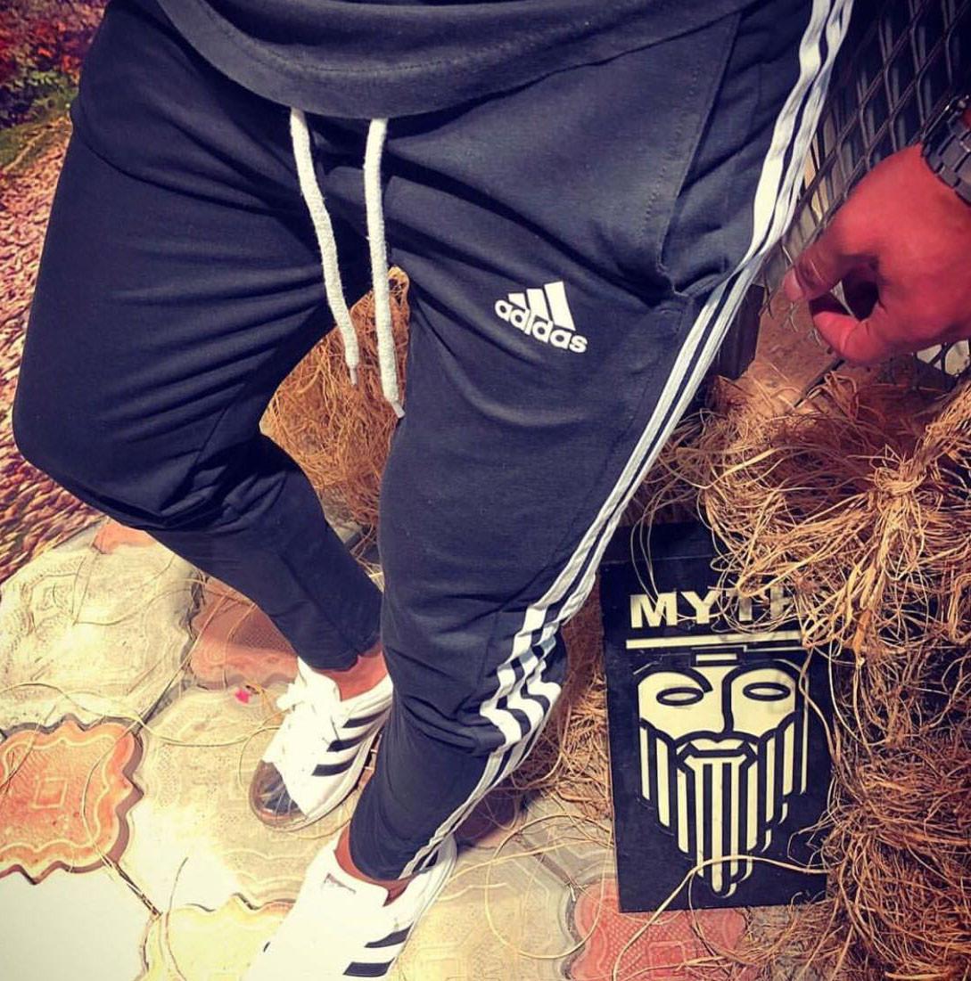 Спортивные мужские штаны Adidas D3830 черные
