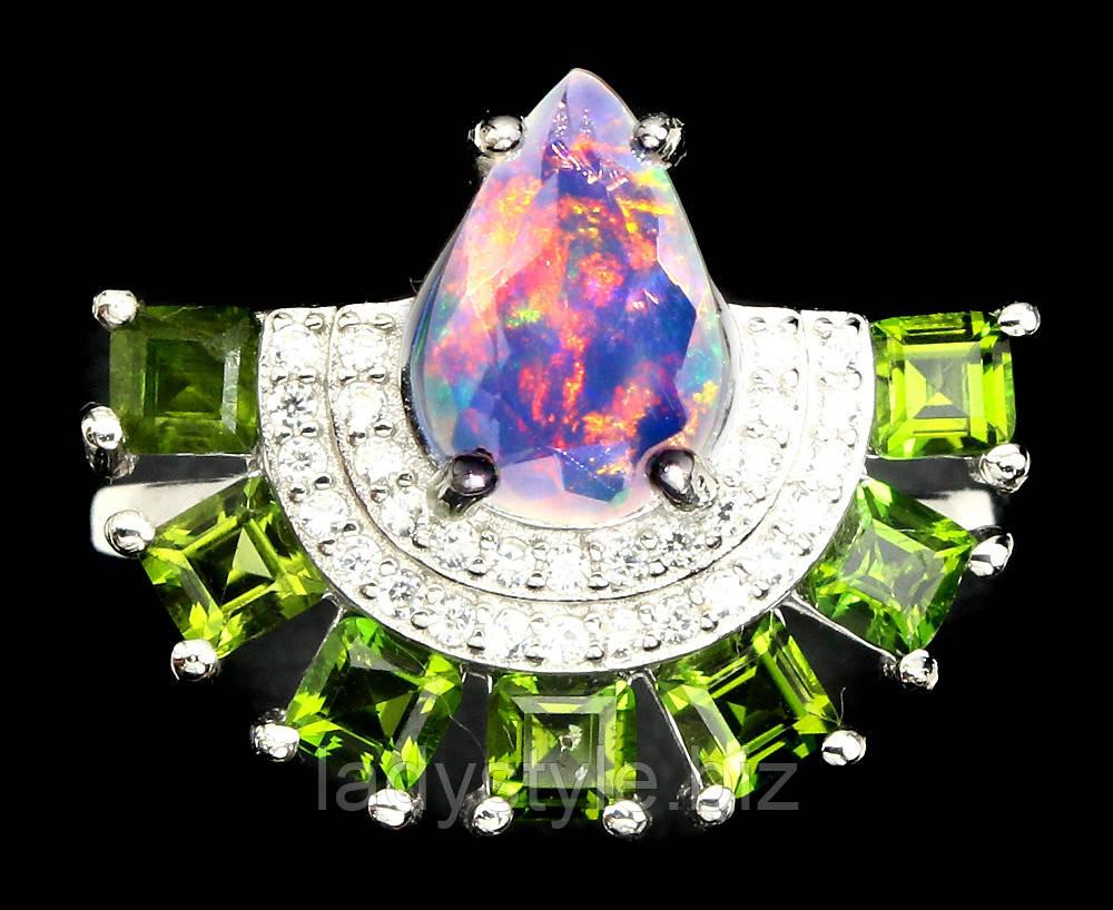 """CСеребряное яркое колечко с хромдиопсидом и опалом  """"Веер"""" размер 17,1"""