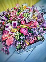 Коробка с цветами и макарунами, фото 1