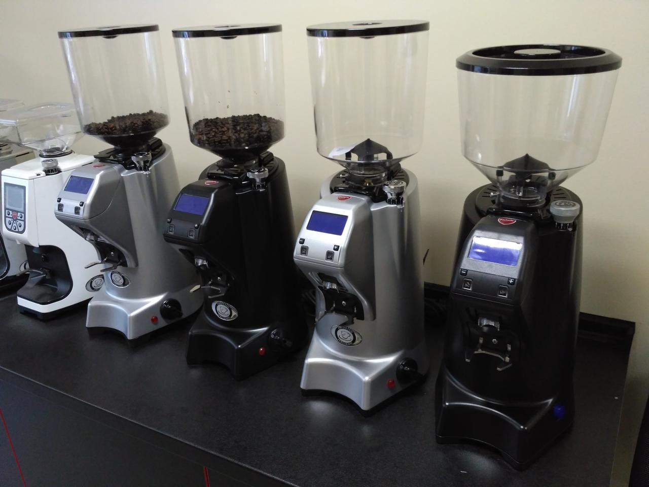 Кофемолка профессиональная Eureka Zenith 64E High Speed
