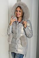 Красивый зимний пуховик-куртка из экокожи ZL.YA (ZLLY) 18507 с натуральным мехом песца цвета жемчуг, фото 1
