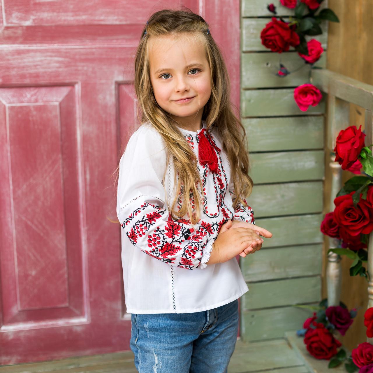 Детская вышиванка для девочки Дубок красный