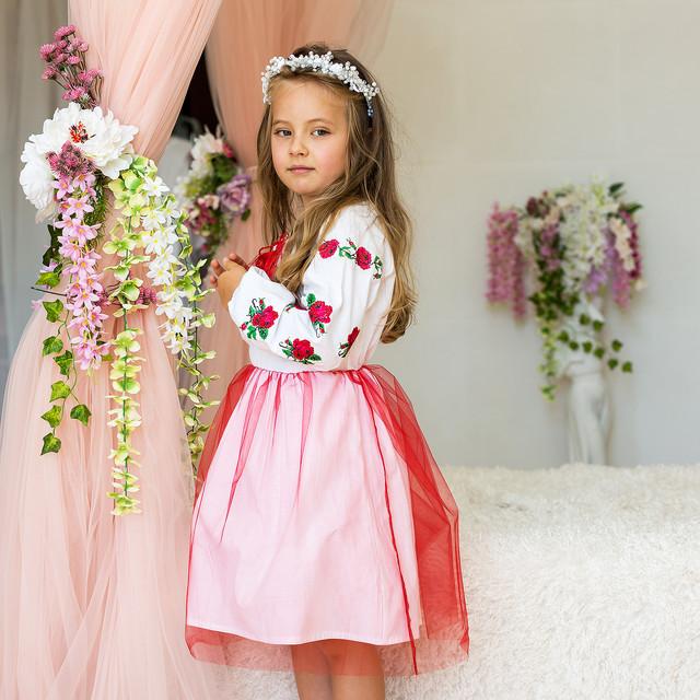 Детское платье с вышивкой для девочки Розочка