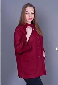 Женское пальто бордового цвета модного кроя 915
