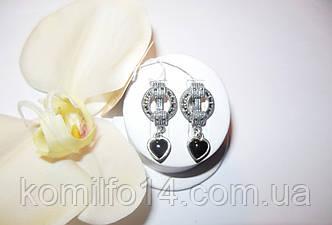 Серебряные серьги с натуральным ониксом и марказитами