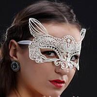Ажурная маска с ушками. Белая