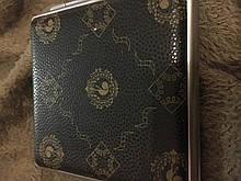 Портсигар из металла темно-коричневогоцвета с рисунком