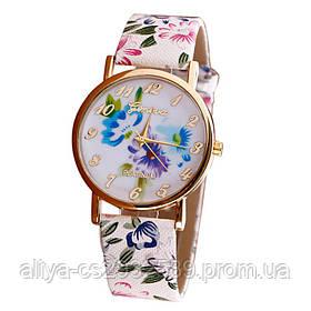 Женские часы с цветочным ремешком