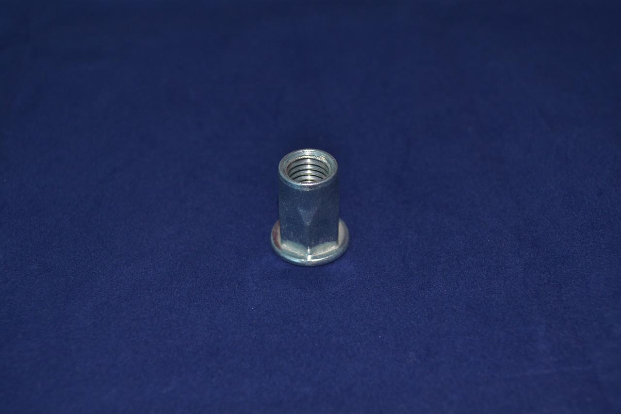 Гайка М6/2.5-4.5 клепальная рифленая с потайным буртиком D9