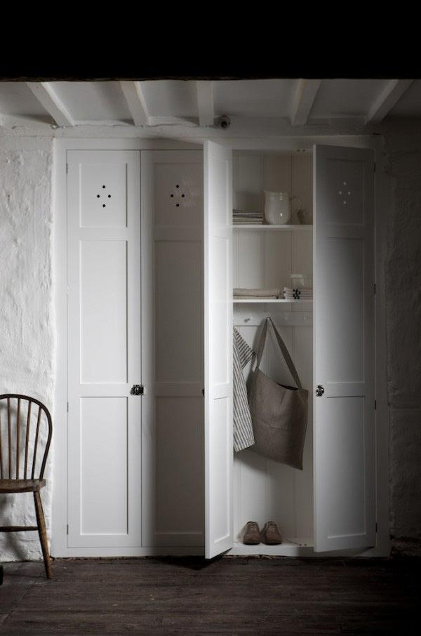 Шкаф белый фасады на BLUM фурнитуре