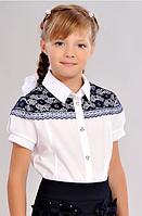 Школьная блузка с гипюром