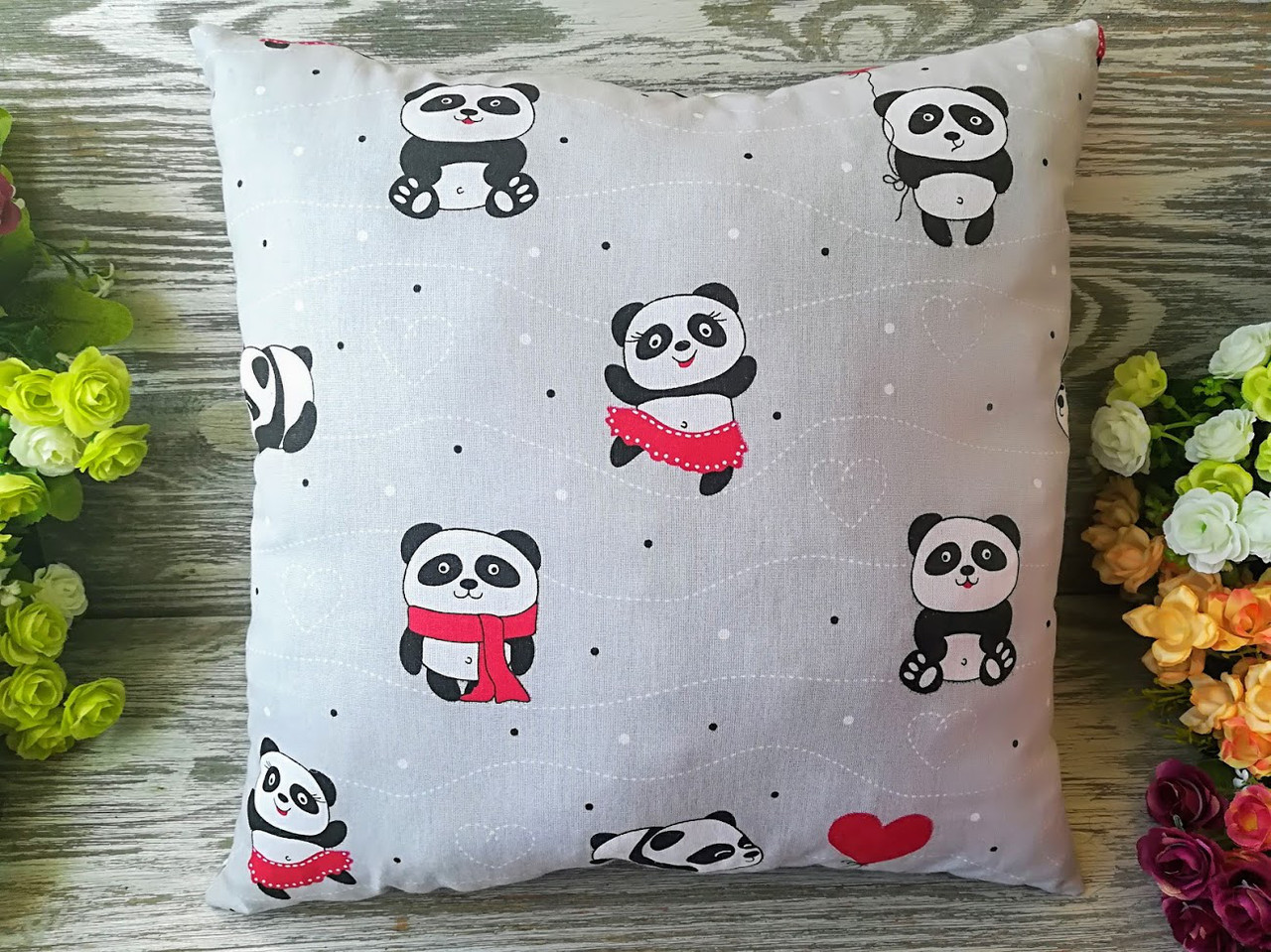 Подушка красные панды , 35 см * 35 см
