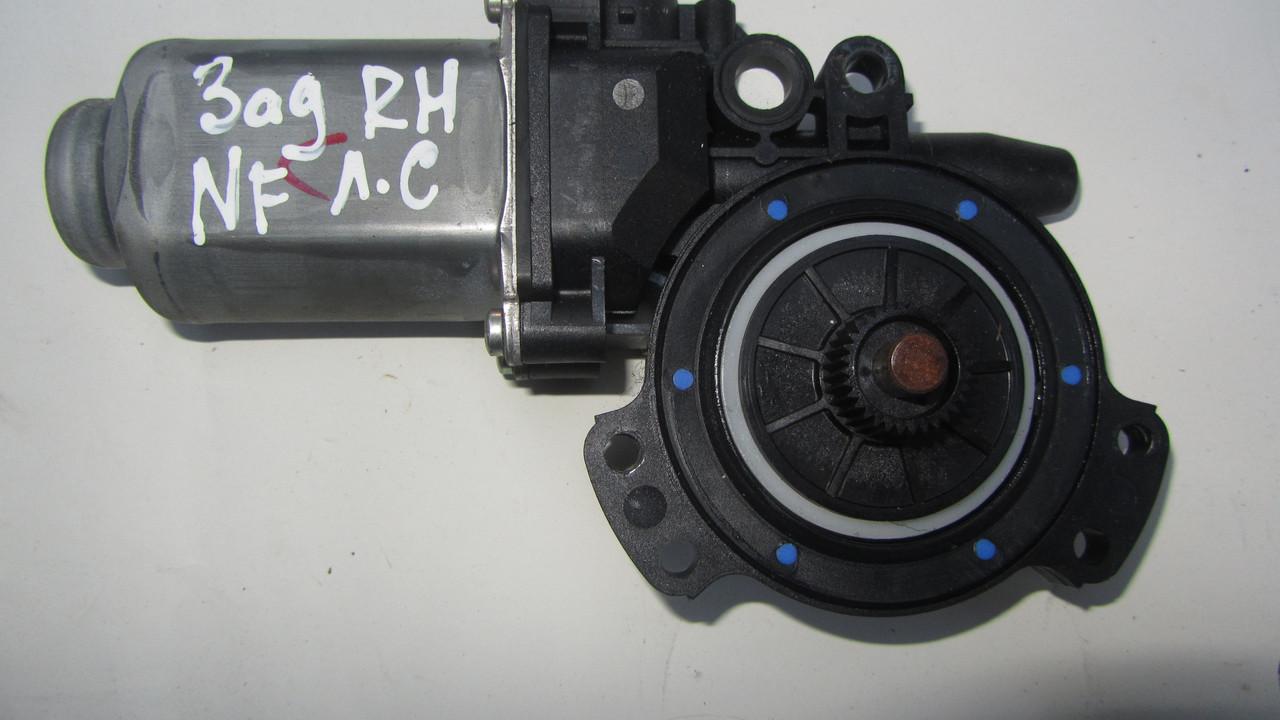 Мотор стеклоподъемника двери задней правой Hyundai Sonata NF 2005-2010
