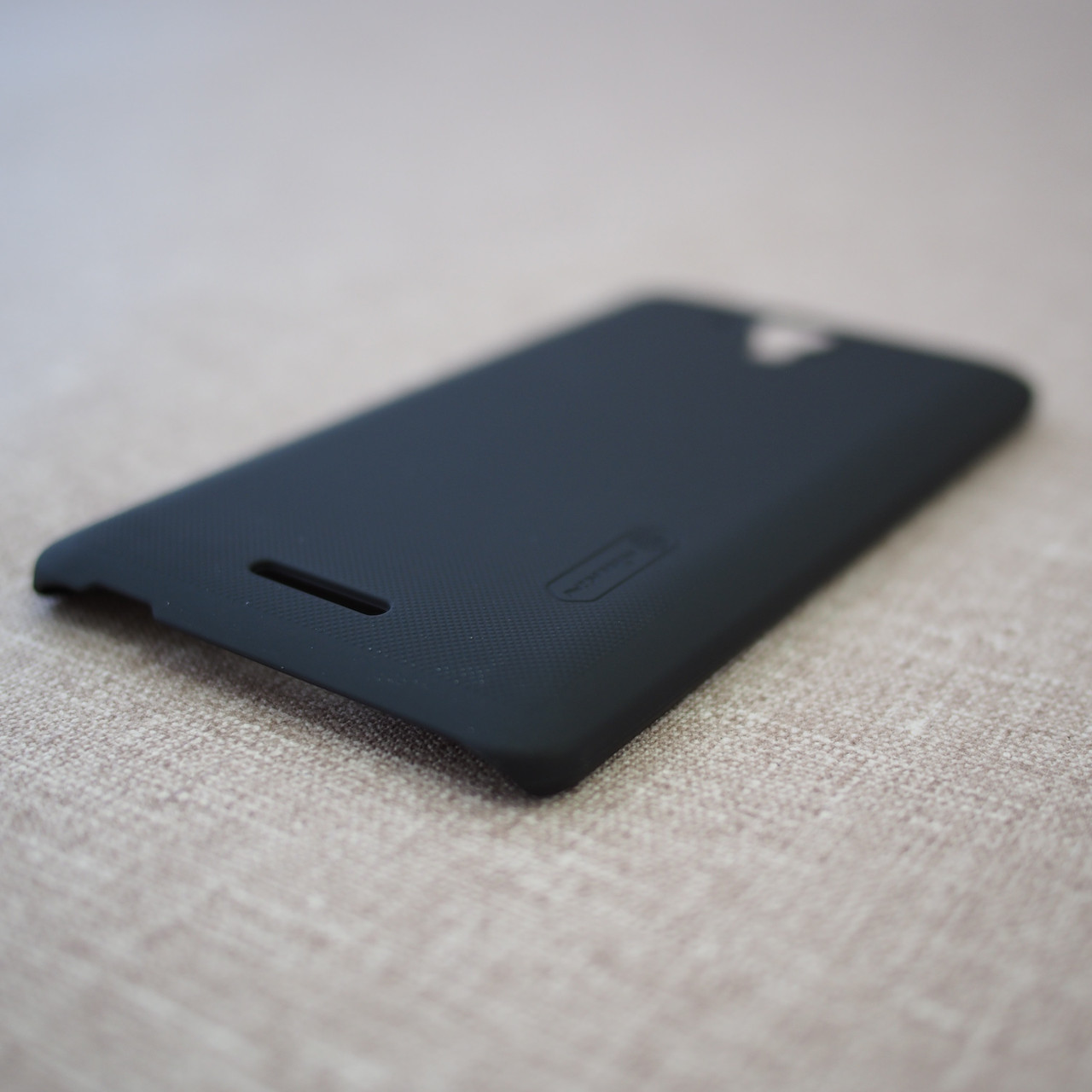 Nillkin Super Frosted Shield Lenovo S8 black Для телефона