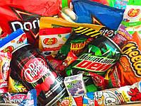 СвитБокс - Подарочный набор вкусностей: конфеты, напитки, чипсы, снеки, жевачки