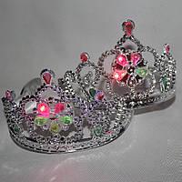 Корона для принцессы пластиковая светящаяся серебристая