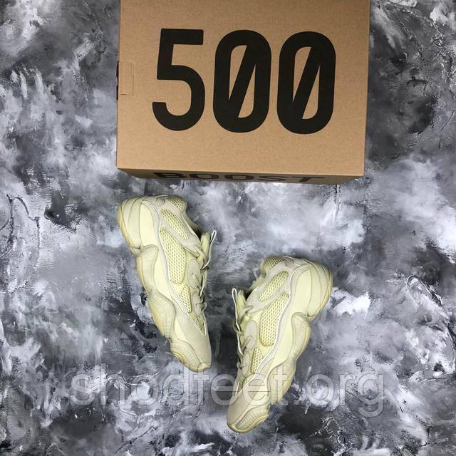 19805d5c Ультра модные кроссовки Adidas Yeezy Desert Rat 500 выполнены из  высококачественных материалов со вставками из натуральной замши.
