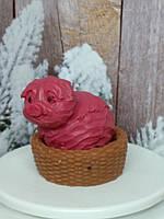 Натуральное мылко свинка в корзинке, ручная работа. Общий вес 250 г.
