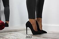 Женские туфли лодочки Mona на каблуке с ремешком