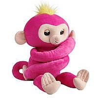 WowWee Fingerlings Мягкая интерактивная обезьянка-обнимашка Белла Hugs-Bella Plush Baby Monkey Pet Pink Intera